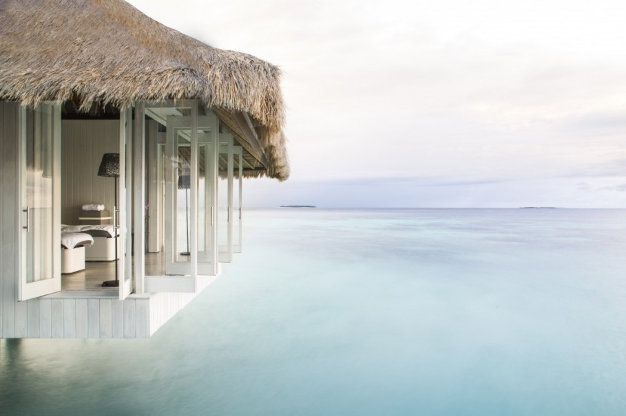 THE WORLD'S HOTTEST RESORT LAUNCHES