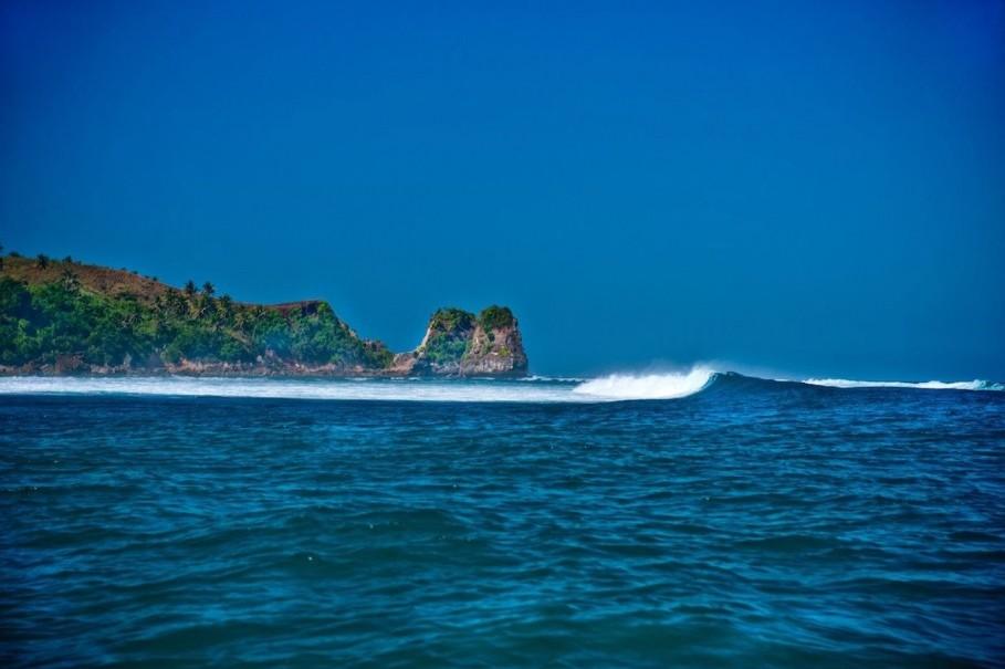 Luxxo luxe adventure nihiwatu sumba for Mad beach fish house menu